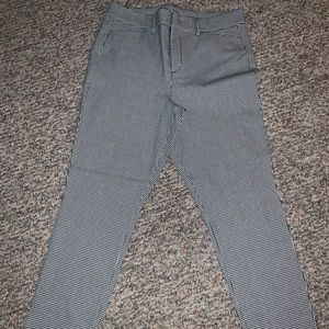NEW LISTING😊🌻💙 Old Navy Pixie Pants